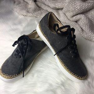 UGG Canvas Eyan Sneakers Black size 9